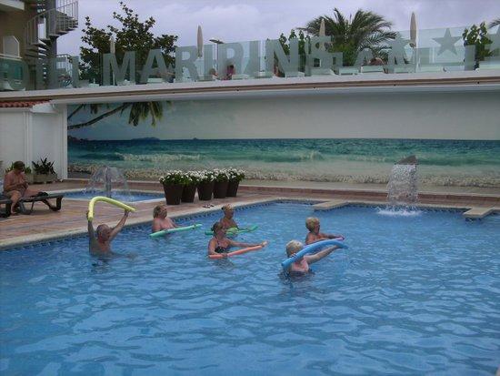 ALEGRIA Maripins: Aquarobics round the pool