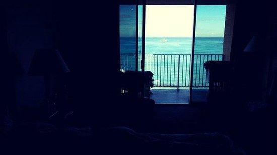 Alohilani Resort Waikiki Beach : Вид изнутри