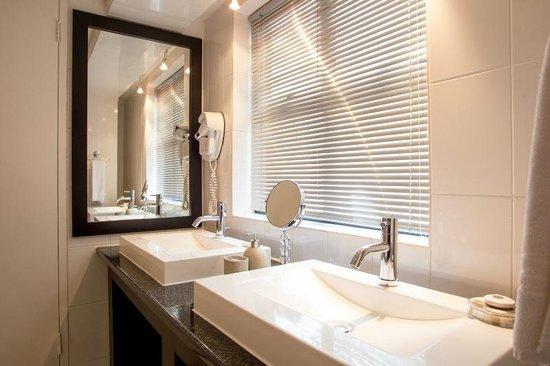 Life & Leisure Lifestyle Accommodation : Bathroom