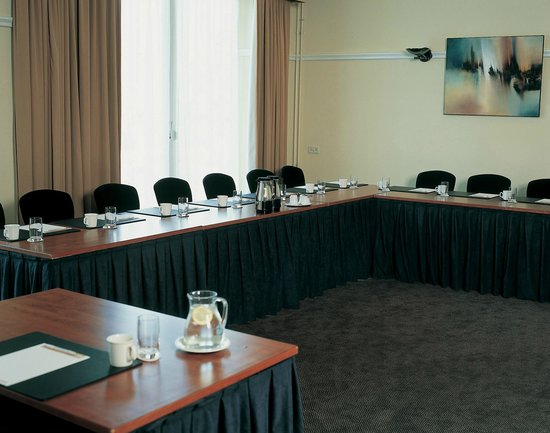NH Capelle: Meeting Room