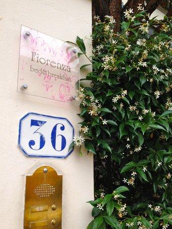 Fiorenza B&B: front gate
