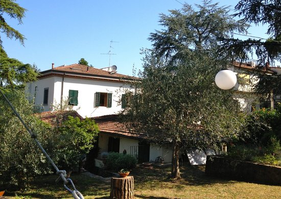 Fiorenza B&B : view of house from garden