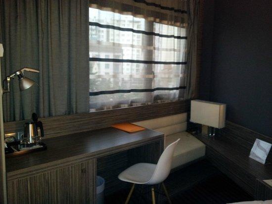 Hotel de Brienne: côté bureau