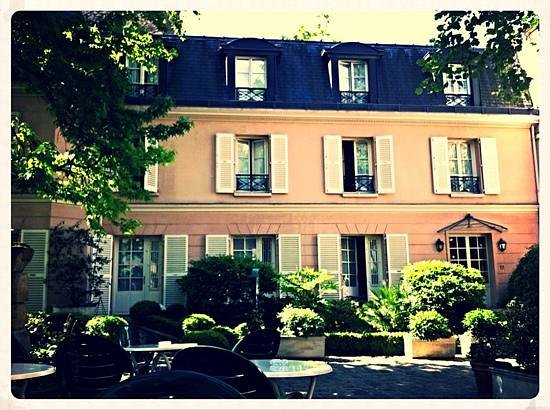 Hotel des Grandes Ecoles: a country manoir in the heart of Paris