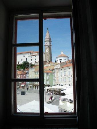 Hotel Tartini: Bellissima vista sulla piazza.