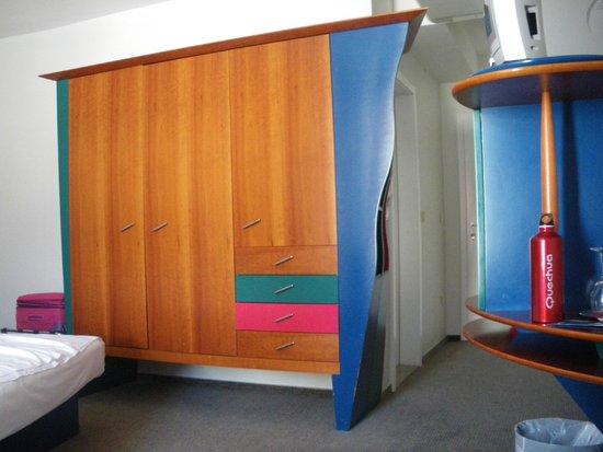 Hotel Tartini: Strano armadio!
