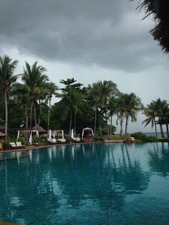 Phulay Bay, A Ritz-Carlton Reserve : Stormy day but still beautiful!