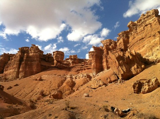 Charyn Canyon: The walk out