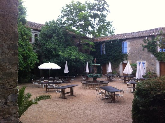 Chateau du Puits es Pratx : beautiful courtyard for celebrations, right outside our room.