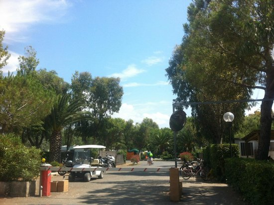Camping Baia del Marinaio: въезд в кэмпинг