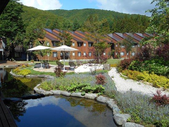 Hotel Sierra resort Hakuba : garden stroll