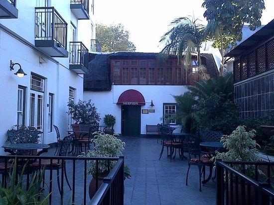 Stellenbosch Hotel: Courtyard
