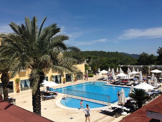 Bodrum Park Resort: Secondary Pool by hotel