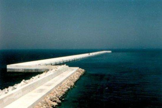 Brindisi, Italien: Diga di Punta Riso