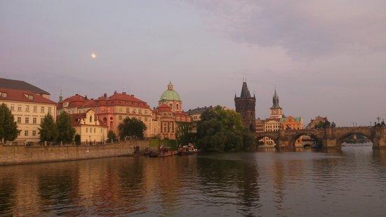 EA Hotel Rokoko: Vltava river