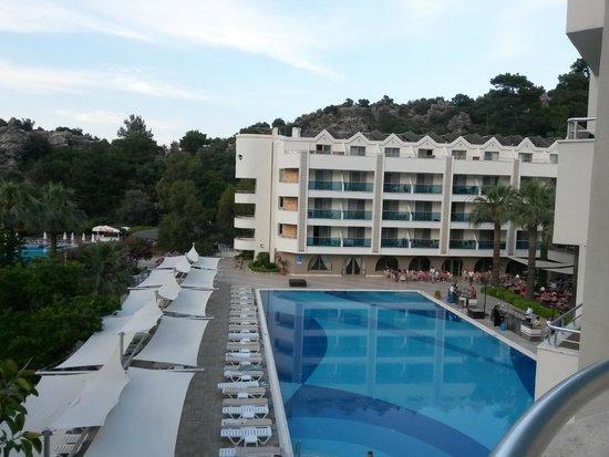 Turunc Hotel: Deniz, Havuz gören oda görüntüsü