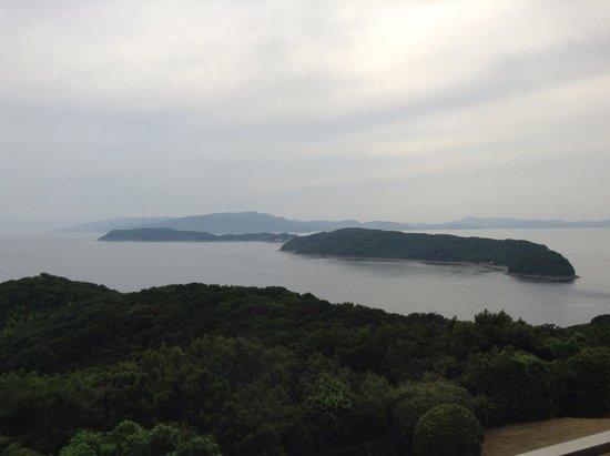 Kyukamura Kishu-Kada : 客室からの友が島の眺め