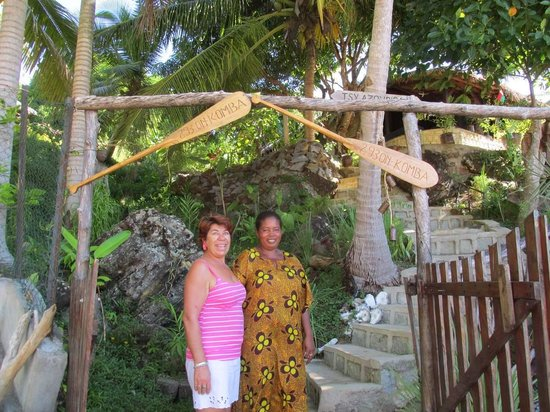 293 on Komba Guest House: Our lovely hostesses