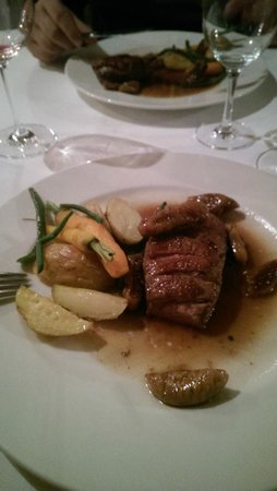 Spajza: Duck breasts with cognac and figs