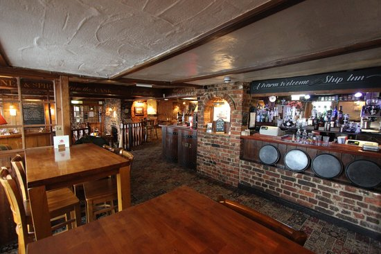 The Ship Inn Restaurant: Warm and welcoming