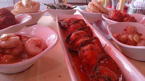 Club Restaurant Bellavista: Tapas pescado y albondigas