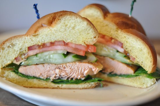 Goldberg's Bagel Company & Deli Buckhead: Salmon Burger