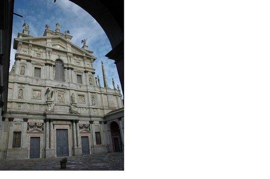Chiesa di Santa Maria presso San Celso: ренессанс, барокко, статуи, барельеф