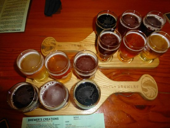 Deschutes Brewery: Sampler Tray