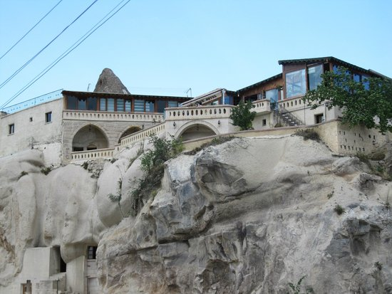 SOS Cave Hotel: view from ground