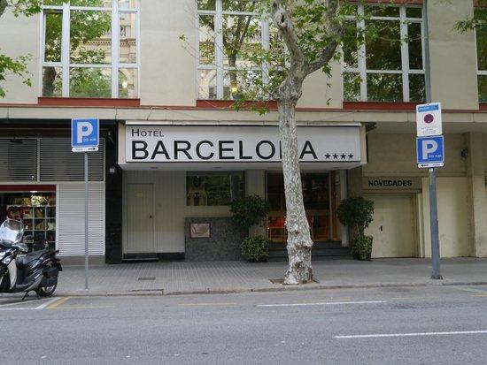 Barcelona Atiram Hotel: 正面玄関