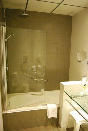 Monte Puertatierra Hotel: Baño