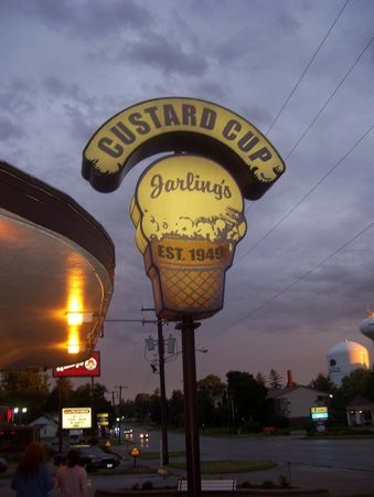 Jarling's: Best custard ever!