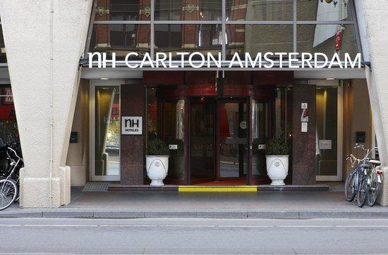 NH Carlton Amsterdam: Facade