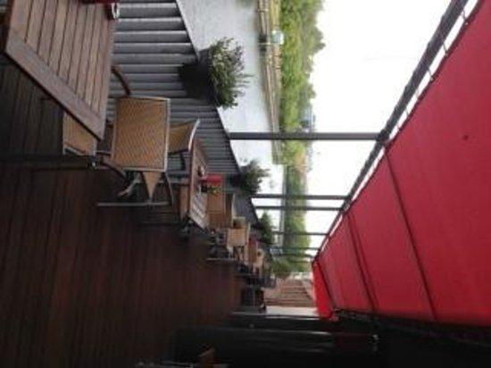 GOLD INN Adrema Hotel: vista ristorante-bar