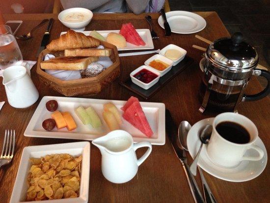 Amanfayun: Breakfast