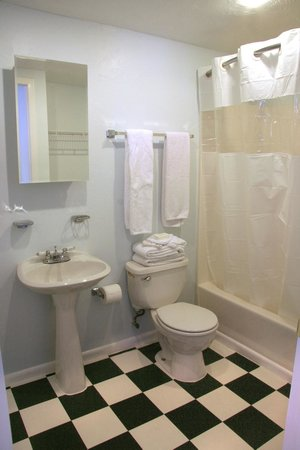 Sabal Palms Inn: Bathroom