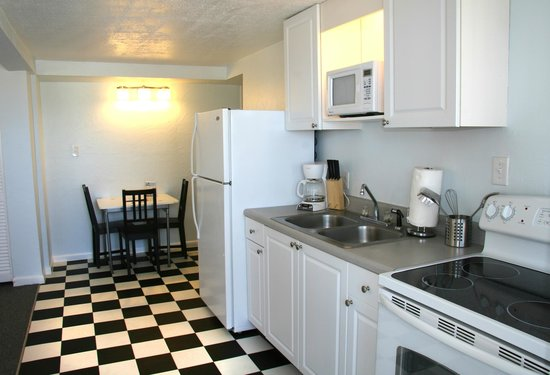 Sabal Palms Inn: Kitchen