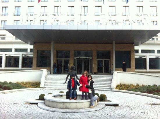Metropol Palace, A Luxury Collection Hotel : Main entrance
