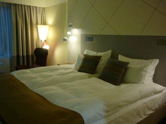 Radisson Blu Sky Hotel: お部屋のベッド