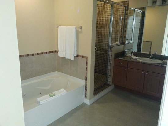 The Point Orlando Resort: One bedroom suite bathroom