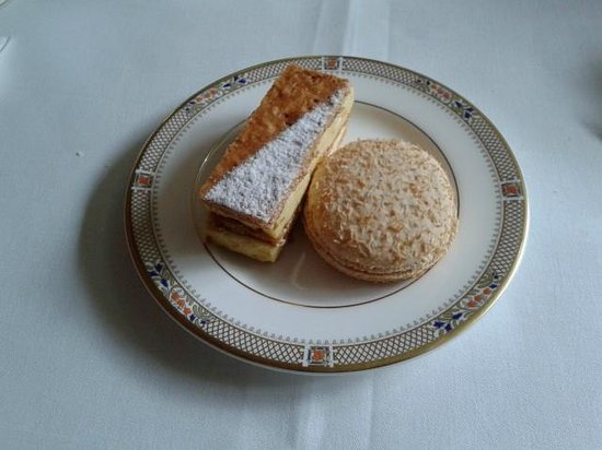 Afternoon tea at The Dorchester Hotel: french pastries