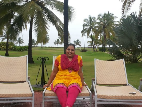 Holiday Inn Resort Goa: Rekha at pool side at HolidayInn Resorts