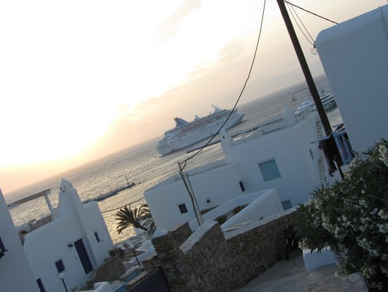 Ledra Apartments: Cruise ship departure at sunset