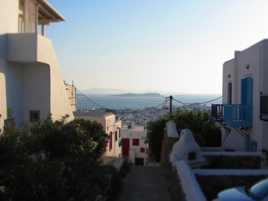 Ledra Apartments: Heading west to Mpaos & Kavouras Islands