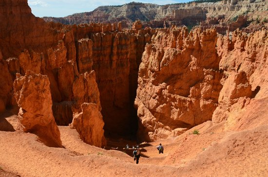Navajo Trail : looking down into wall street