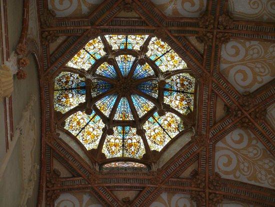 Sant Pau Recinte Modernista: ステンドグラス