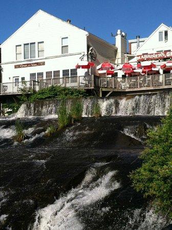 Marriner's Restaurant: view of Marriner's deck from Camden city park