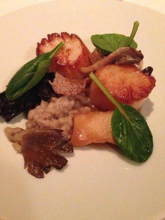 Eleven Madison Park : Scallops Seared with Mushroom, Pine Nut and Bulgur