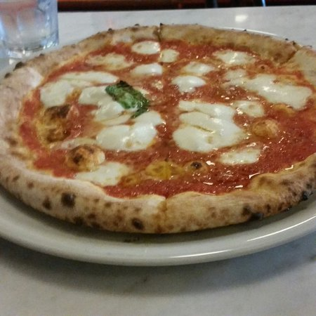Tartufo: Pizza- Had only one small basil!! Ridiculous.