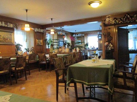 Parkhotel Sonne: Dining room